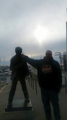 oakland port statue